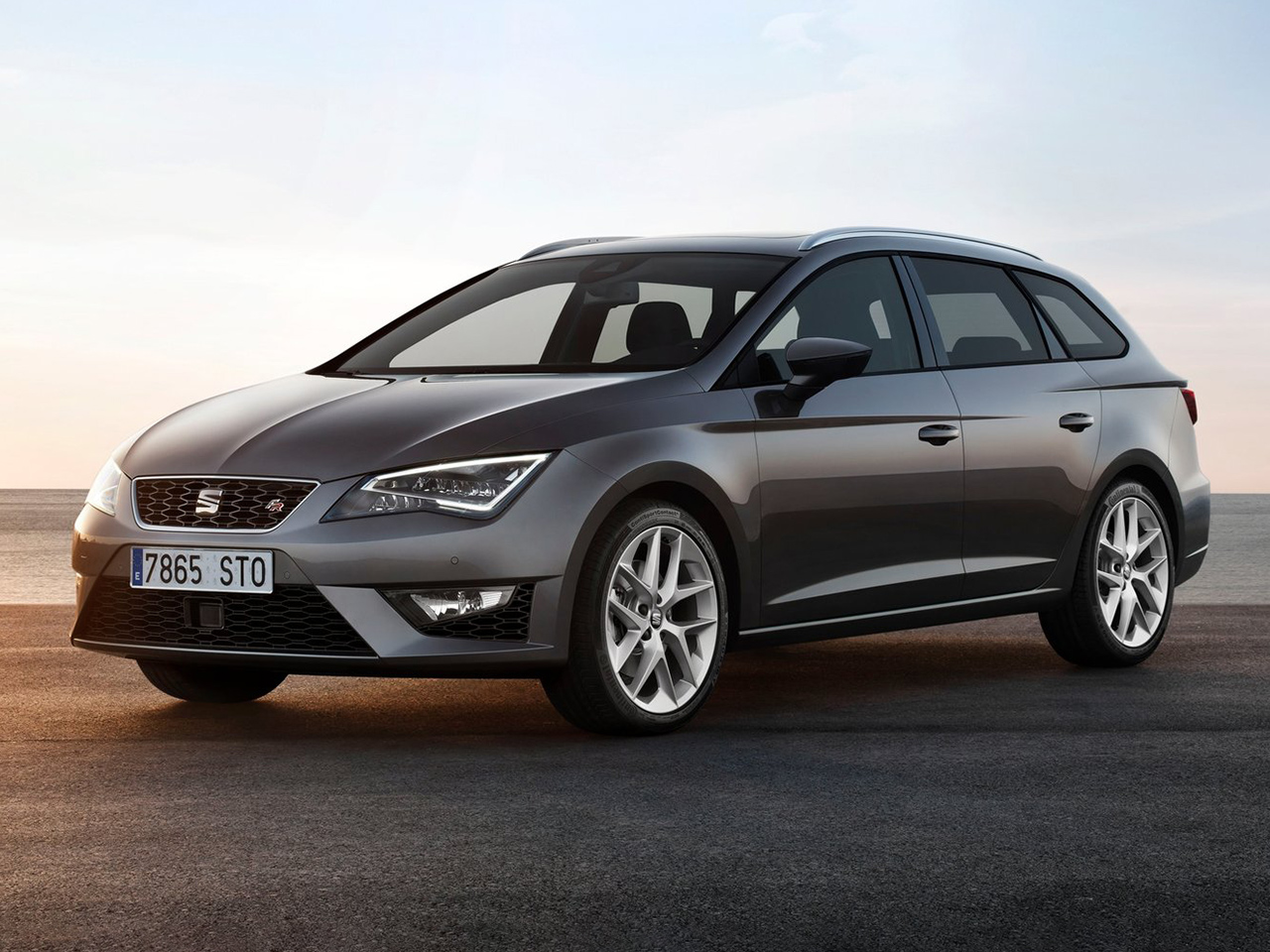 seat leon st 2016 1 4 tgi gnc 110cv dsg style. Black Bedroom Furniture Sets. Home Design Ideas