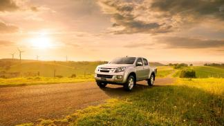 Isuzu D-Max 2012 Single Satellite 4X4 M/T - 2
