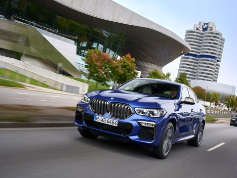 BMW X6 carretera