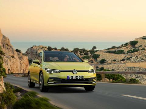 Volkswagen Golf carretera