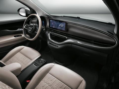 Interior del FIAT 500 2020