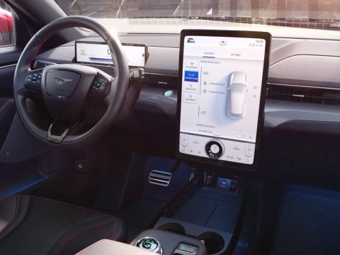 Interior y tecnología del Ford Mustang Mach-E