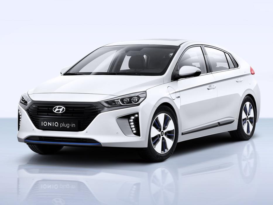 Hyundai Ioniq 2016 Hybrid 141CV Tecno -- Autobild.es