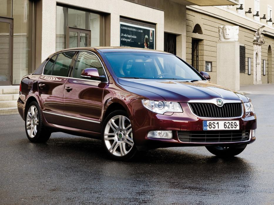 Škoda Superb Berlina 2008 3.6 V6 FSI 260 CV DSG 4x4 Laurin&Klement - 0